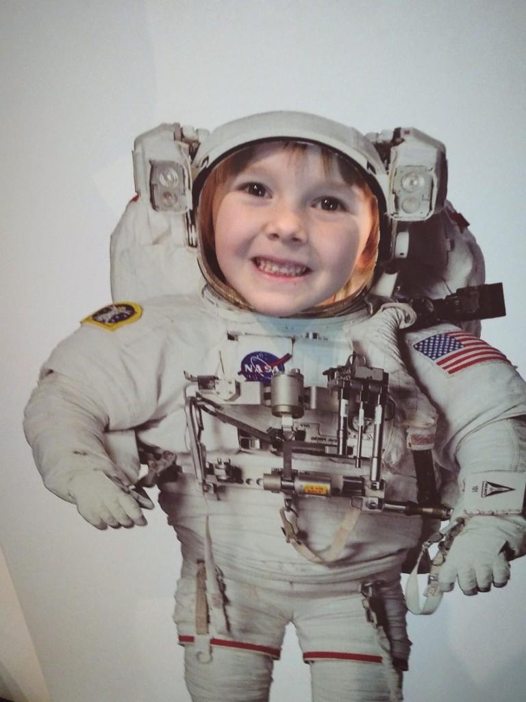 ellyastronaut